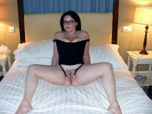 Shelly escort in Aachen